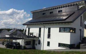 Photovoltaikanlage auf einem Wohnhaus in Völklingen