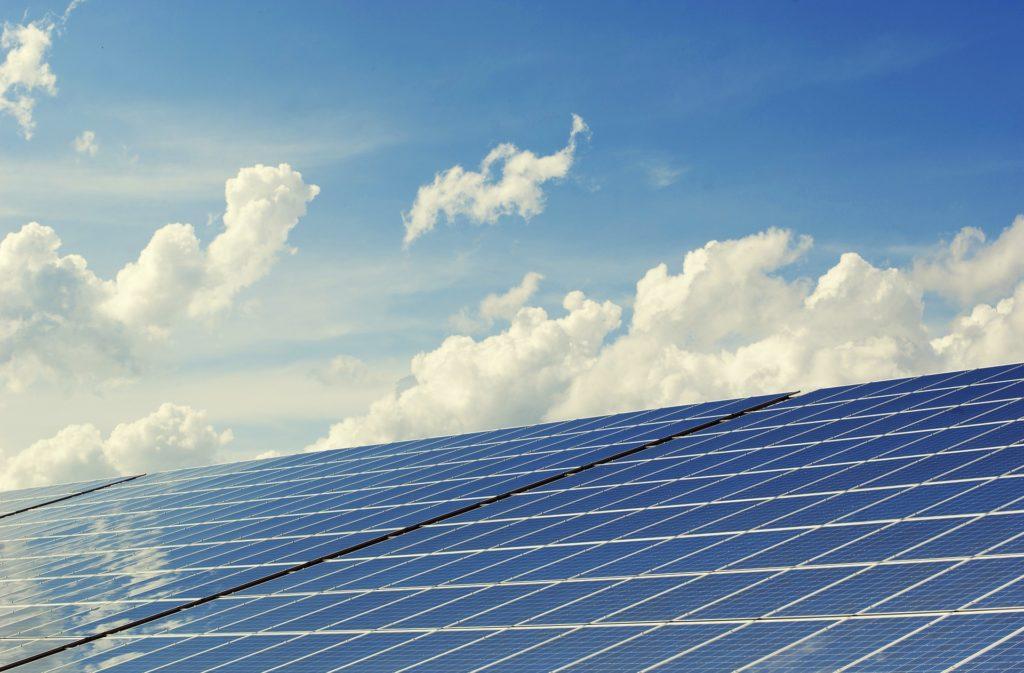 Hier zu sehen ist eine Photovoltaik Großanlage